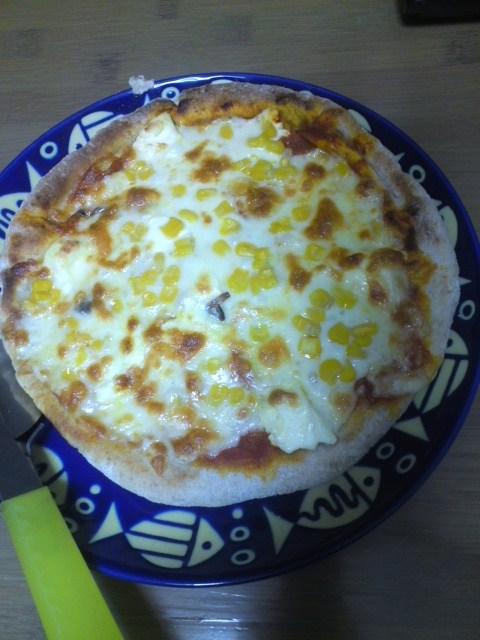 ロッソのピザにコーントッピング