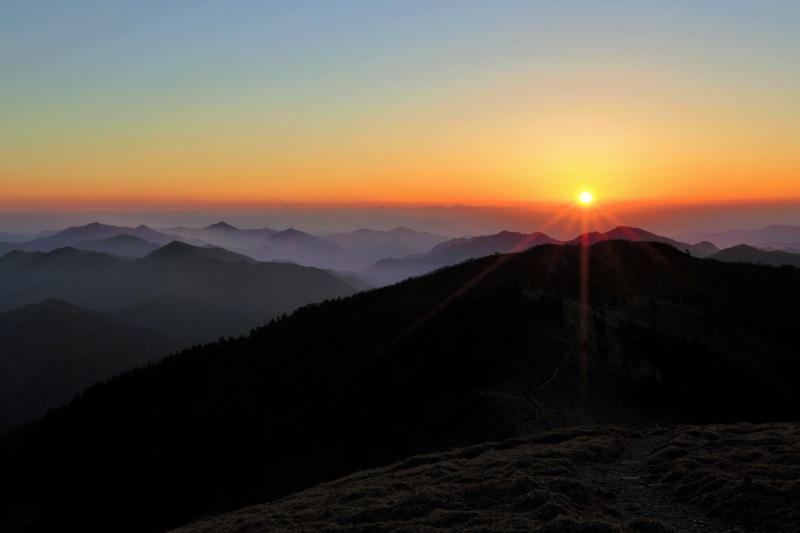 剣山の夜明け