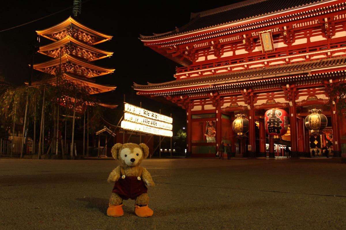 Duffy 夜の浅草寺・宝蔵門、五重塔 151111