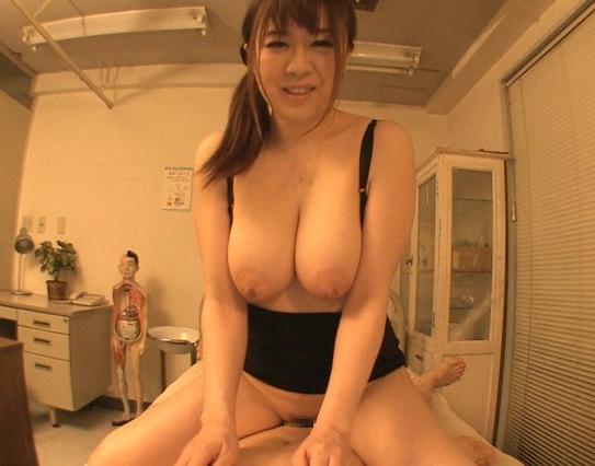 すっごくエッチな巨乳女教師が男子生徒を誘惑しパンスト足コキの脚フェチDVD画像3