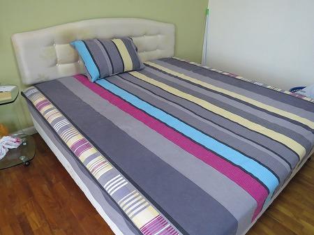 洗濯したベッドカバー