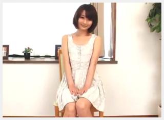 【無修正】清純ぽいけど・・・パンパン美少女の綺麗なマ〇コが見放題、オナニーし放題www