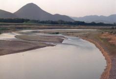野洲川三上山
