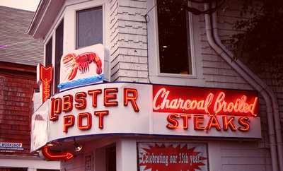 restaurant-lighting-lobster-neon.jpg