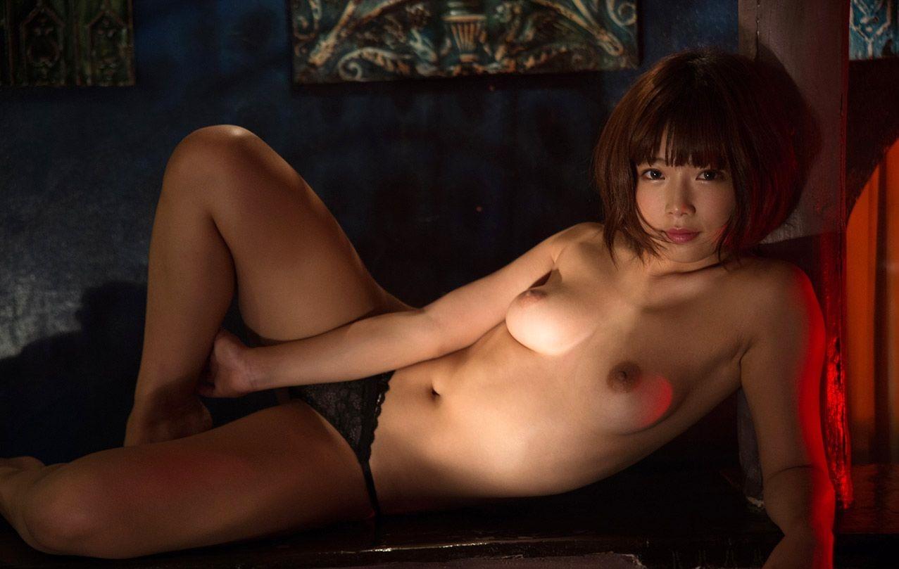 (紗倉まな過激な乳輪お乳写真・ムービー)裸体ぬーどがオナネタ☆