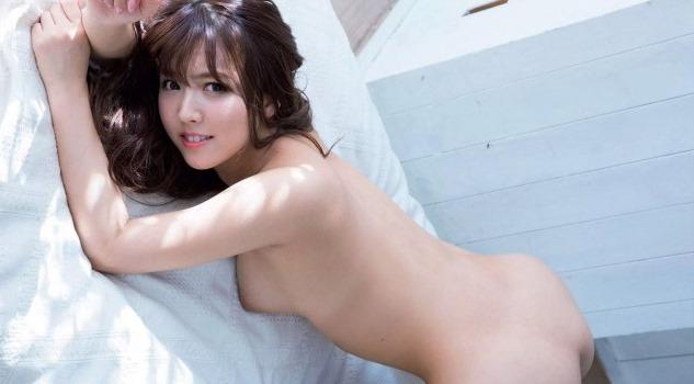 (三上悠亜(av女優)の裸ぬーど写真)キュートなお尻・美しい乳輪な美巨乳お乳☆