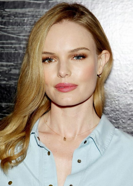 【ハリウッド女優・ケイト・ボスワース(Kate Bosworth)】 美乳ヌードおっぱい画像!
