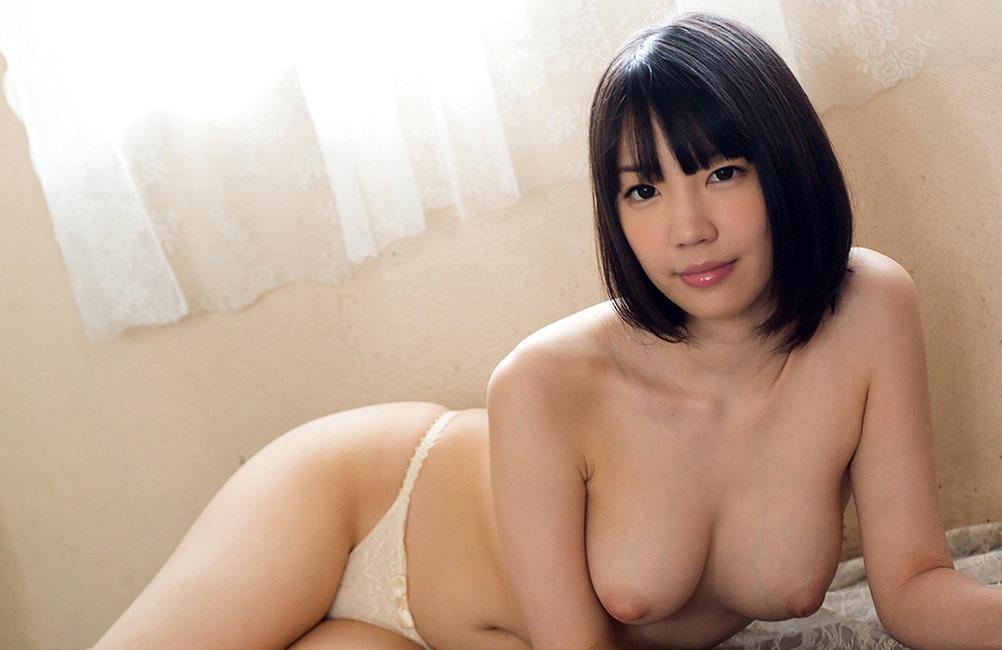 (鈴木心春(av女優)のフルぬーど写真)陥没チクビのFカップ美巨乳お乳に股間が膨らむ☆