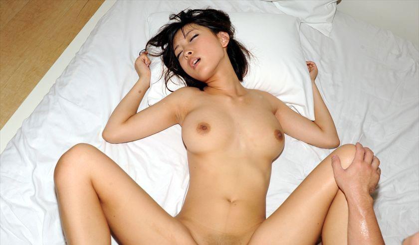 (竹内由恵アナ似の小倉ゆず写真)美しい乳輪お乳ヌけるんゴ☆