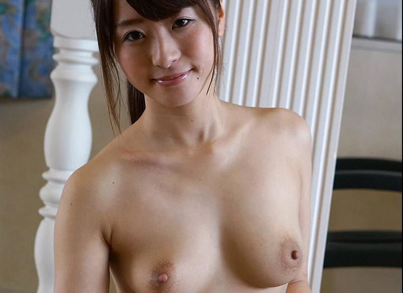 (初美沙希(av女優)のヘアぬーど写真)清楚な乳輪にお椀型お乳下腹から股間がキュート☆