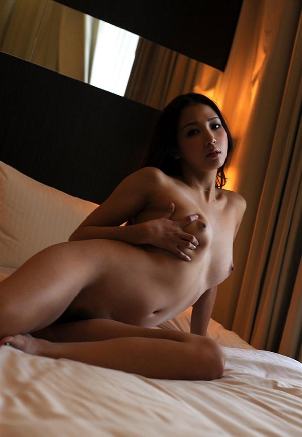 友田彩也香 ヌード18