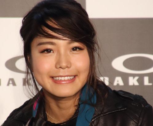 (化粧で二重まぶたのGAL化した高梨沙羅(たかなし さら))女子スキージャンプ選手写真☆