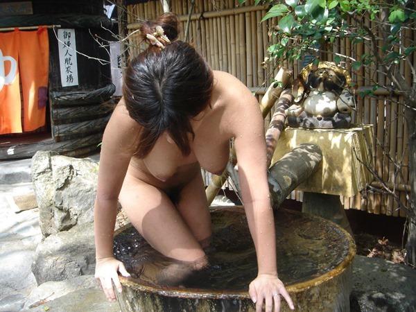 温泉 ヌード20
