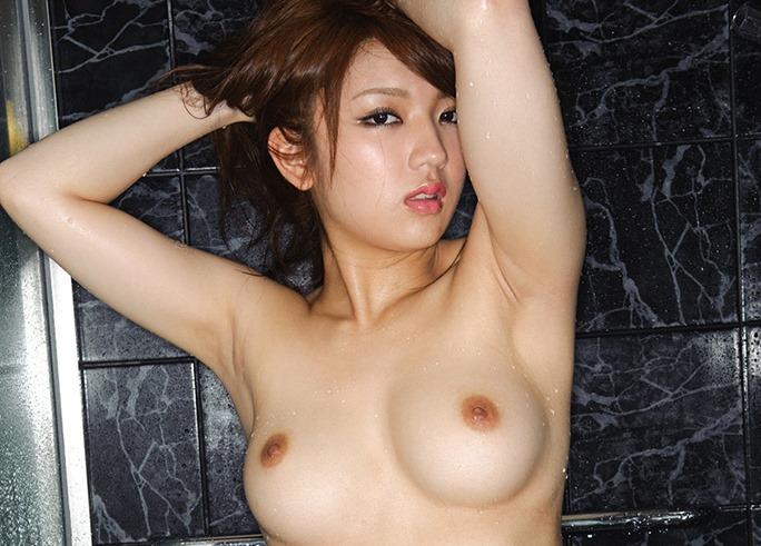(神咲詩織(av女優) のお宝ぬーど写真)Gカップ美巨乳お乳と股間お尻バランスが外人並み☆