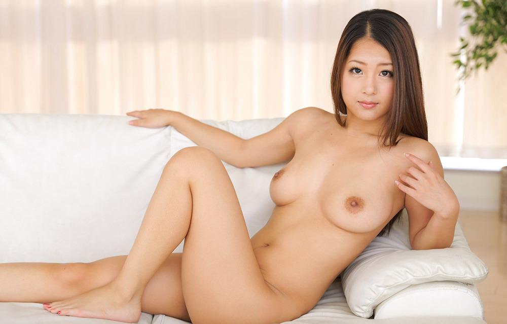 (鈴木さとみ(av女優)のヘアぬーど)美しい乳輪な美巨乳お乳▼地帯が官能的☆