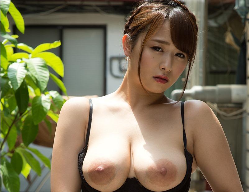 (白石茉莉奈(癒し系av女優)のぬーど写真)美しい乳輪な肉感Gカップ美巨乳お乳☆