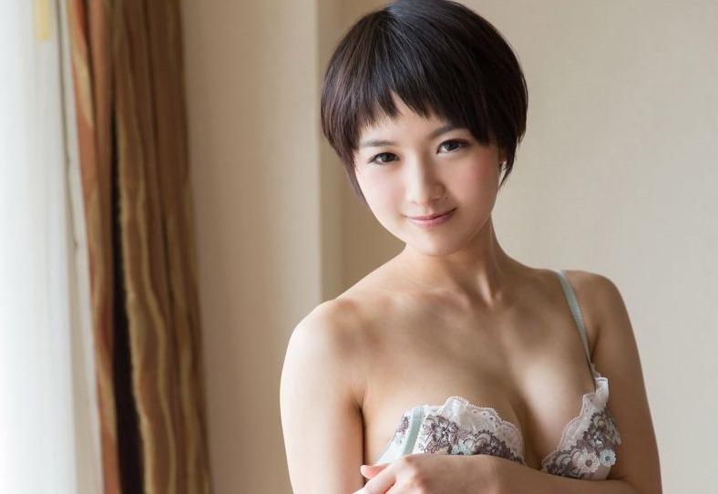 (向井藍(av女優)の生嵌めSEX写真)清純系な短髪モデルの細身美しい乳ぬーど☆