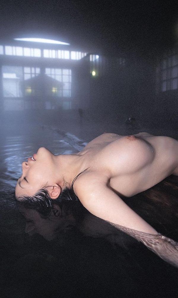 温泉 ヌード30