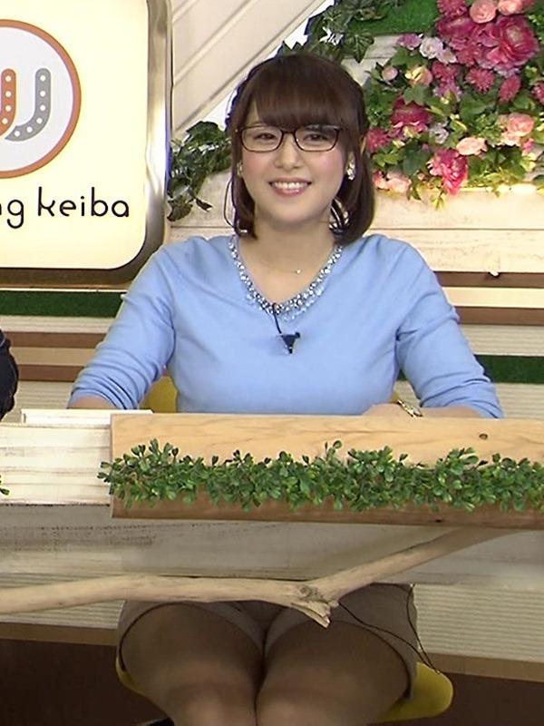 テレ東 鷲見玲奈アナを撮る横乳カメラ画像5