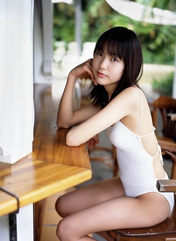 戸田恵梨香 水着5
