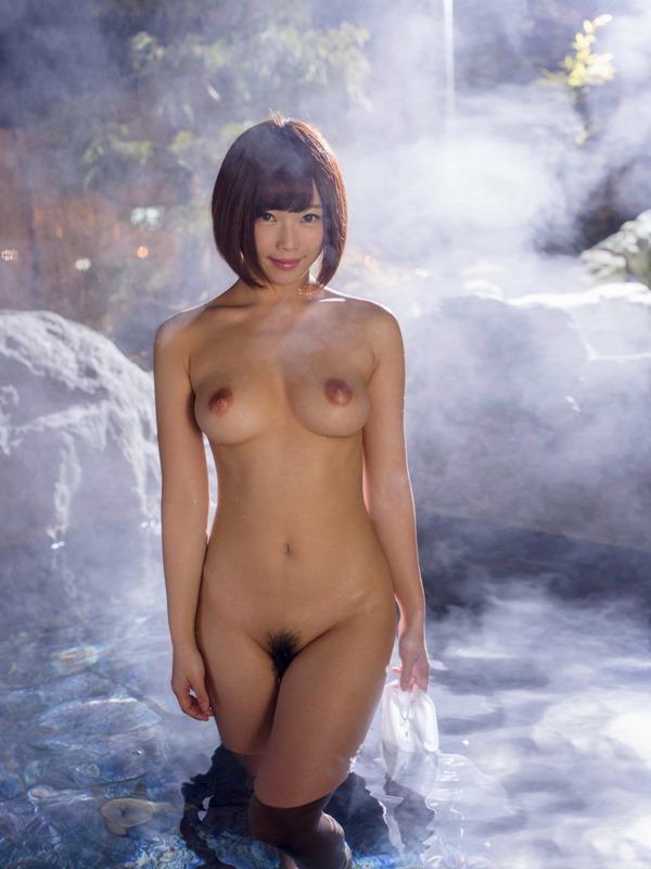 温泉 ヌード