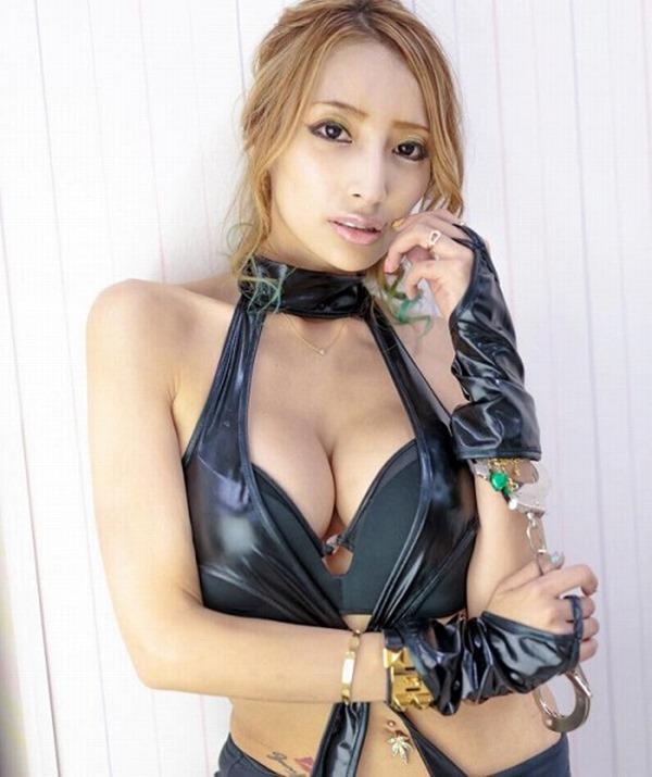狩野の元彼女タレントの加藤紗里の100㎝巨乳エロ画像5