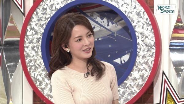 深津瑠美アナの着衣巨乳エロ画像10