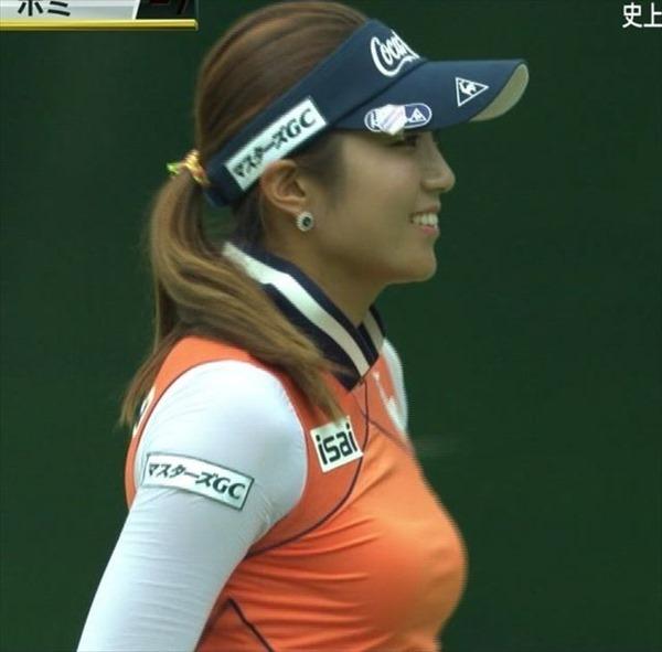 韓国出身のプロ女子ゴルファー、イ・ボミ選手のムチムチ着衣巨乳画像10