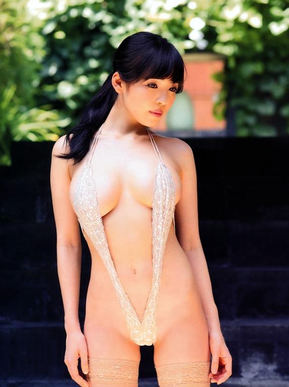 【清水みさとの88㎝巨乳おっぱい】AmazonグラドルDVD1位(・ω・ノ)Gカップ乳エロ画像!