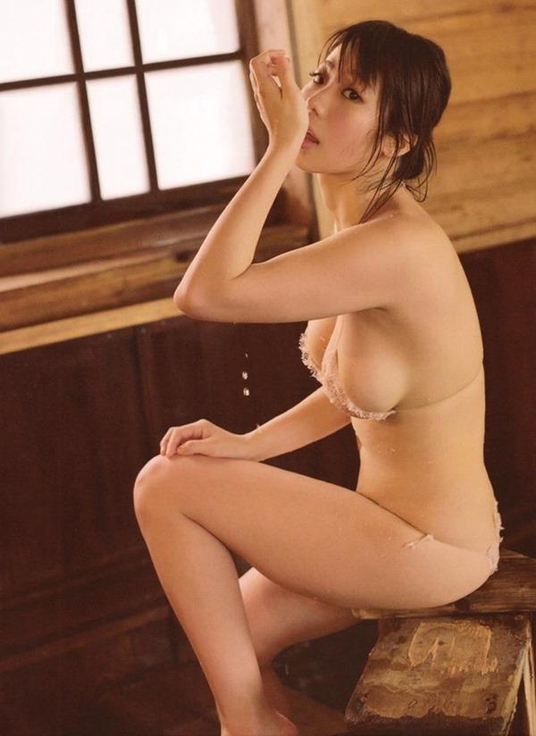鈴木ふみ奈って今1番エロい体エロ画像20