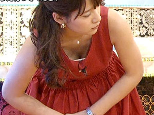 ムラムラする女子アナ吉田明代エロ画像12