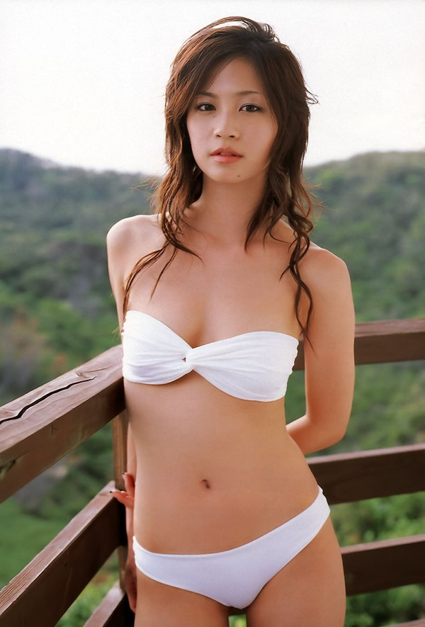 安田美沙子の美乳画像13