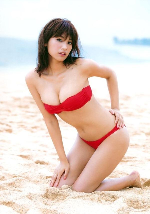 久松郁実のムッチムチ健康的エロ画像13