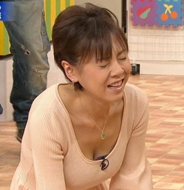 高橋真麻の着衣巨乳エロ画像14