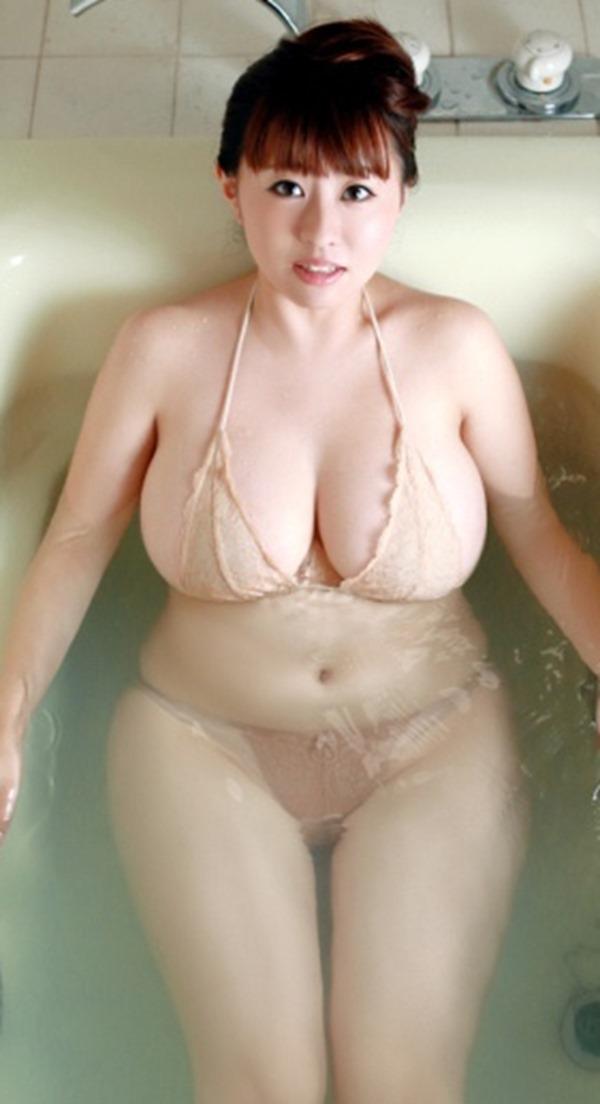 水樹たまの巨乳おっぱいエロ画像14