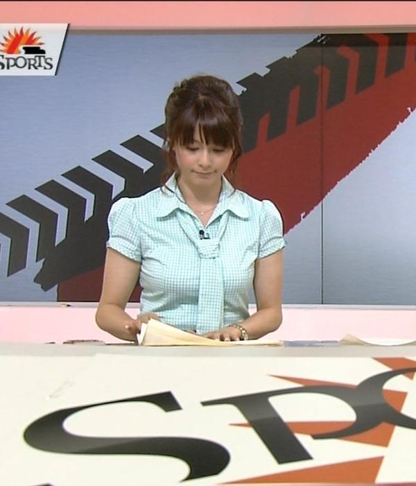 杉浦友紀アナのムッチムチ着衣エロ画像14