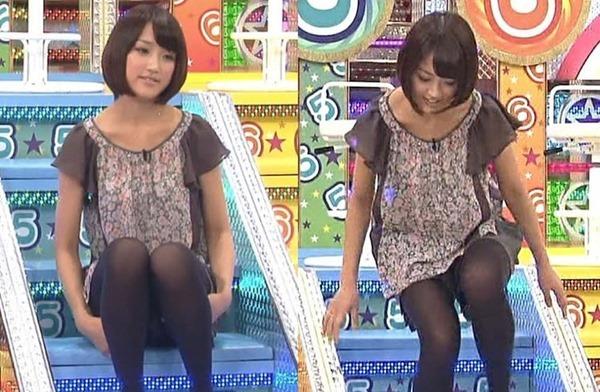 テレ朝の竹内由恵アナの胸の膨らみ、太腿、胸チラ14