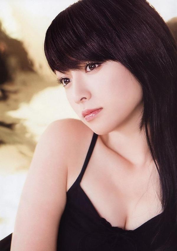 深田恭子の体がエロすぎる写真集画像15