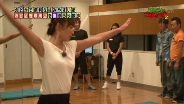 狩野恵里アナのセクシーショット画像15