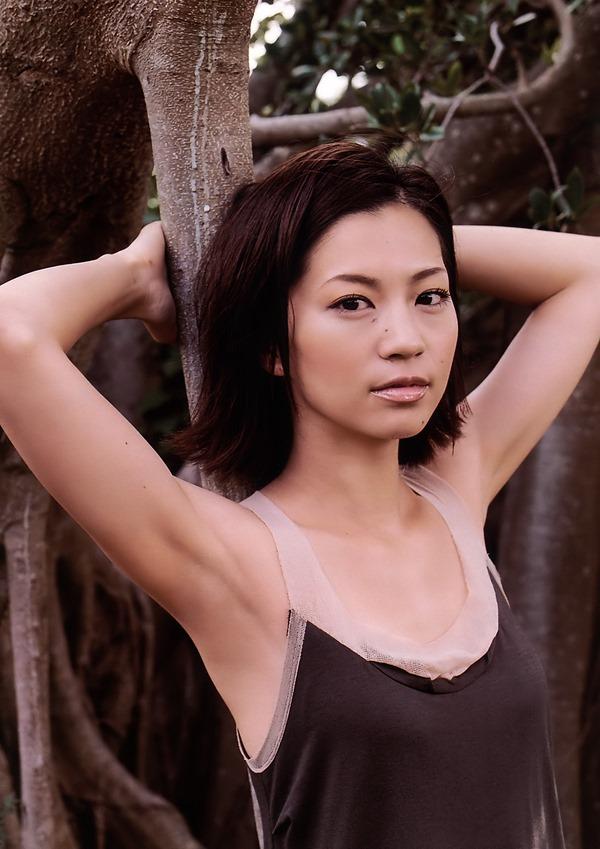 安田美沙子の美乳画像16