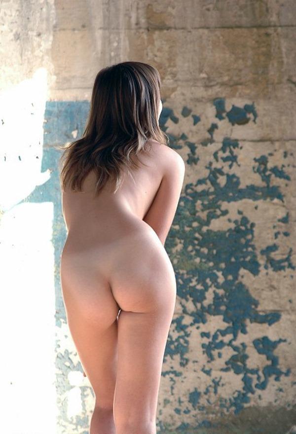 オナニーのオカズに最適な肉厚デカ尻エロ画像16