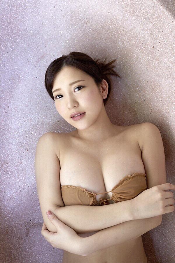 ミス湘南の新人ムチムチグラドル石原佑里子エロ画像16