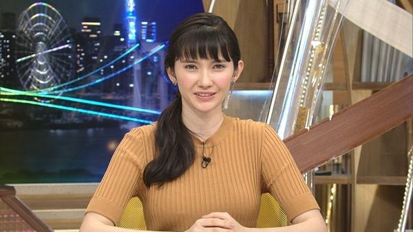 市川紗椰の着衣巨乳エロ画像17