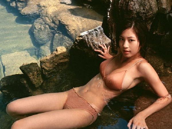 安田美沙子の美乳画像19