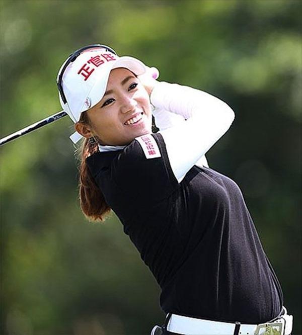 韓国出身のプロ女子ゴルファー、イ・ボミ選手のムチムチ着衣巨乳画像19