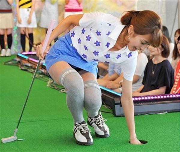 加藤綾子アナの美脚20