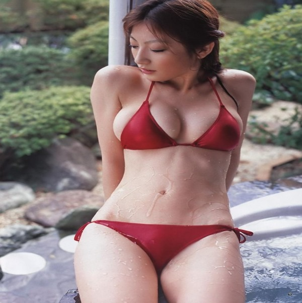 熊田曜子(34)が4年ぶりのグラビアDVDエロ画像18