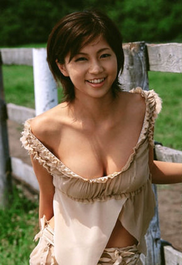 安田美沙子の美乳画像4