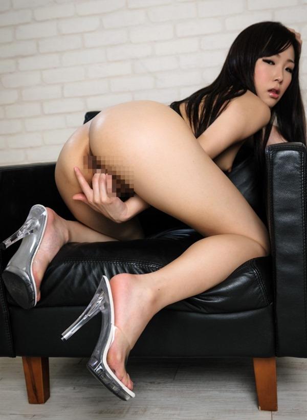 淫乱ギャルが膣内かき回し指入れオナニーエロ画像4