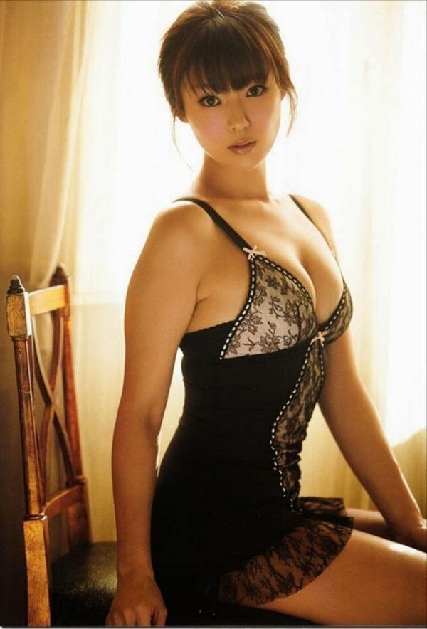 アラサー深田恭子の巨乳おっぱいエロ画像4